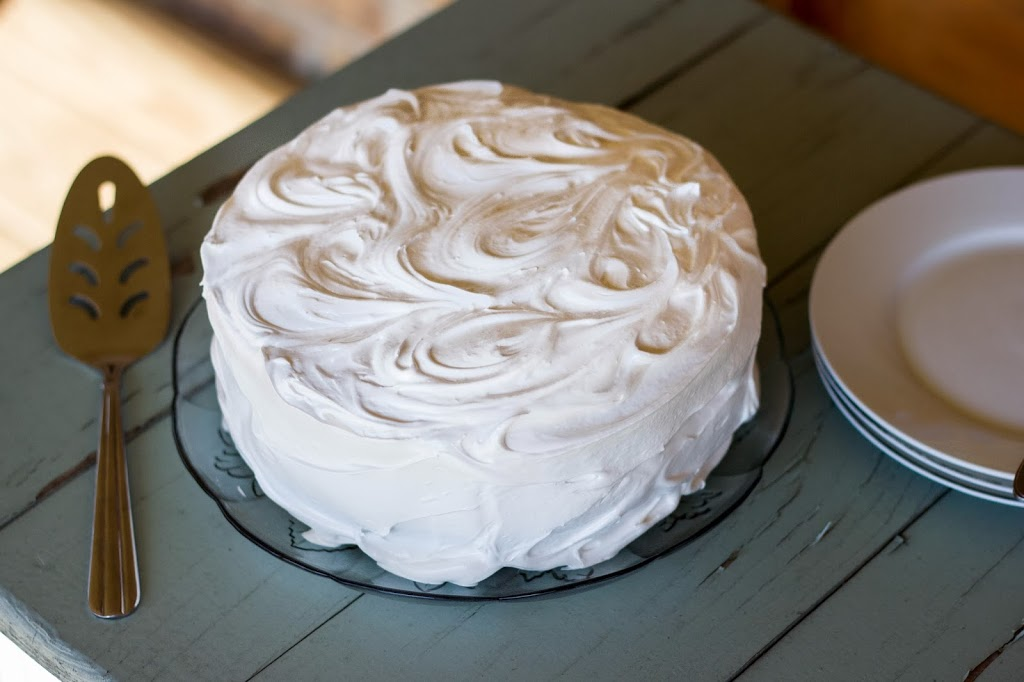 fluffy white icing marshmallow frosting