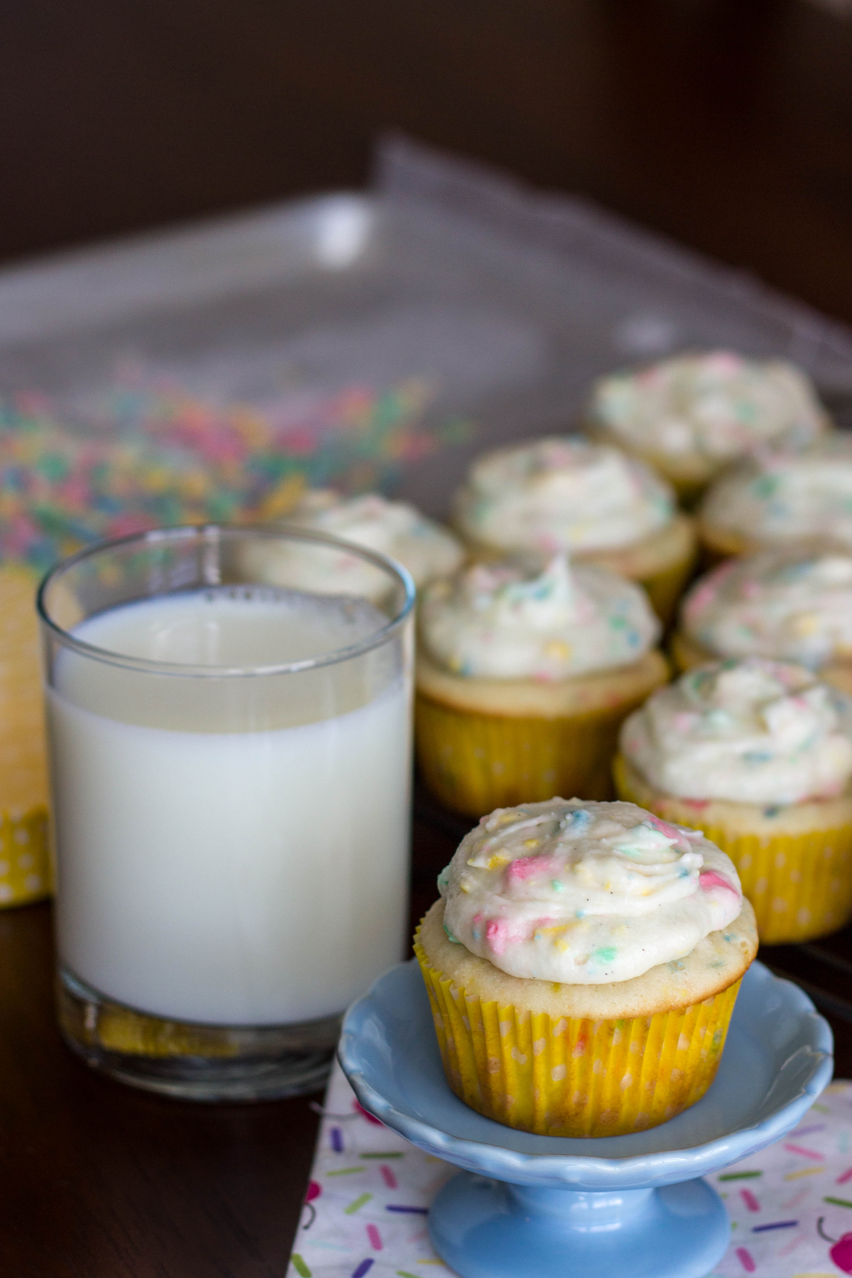 how to make rainbow chip frosting