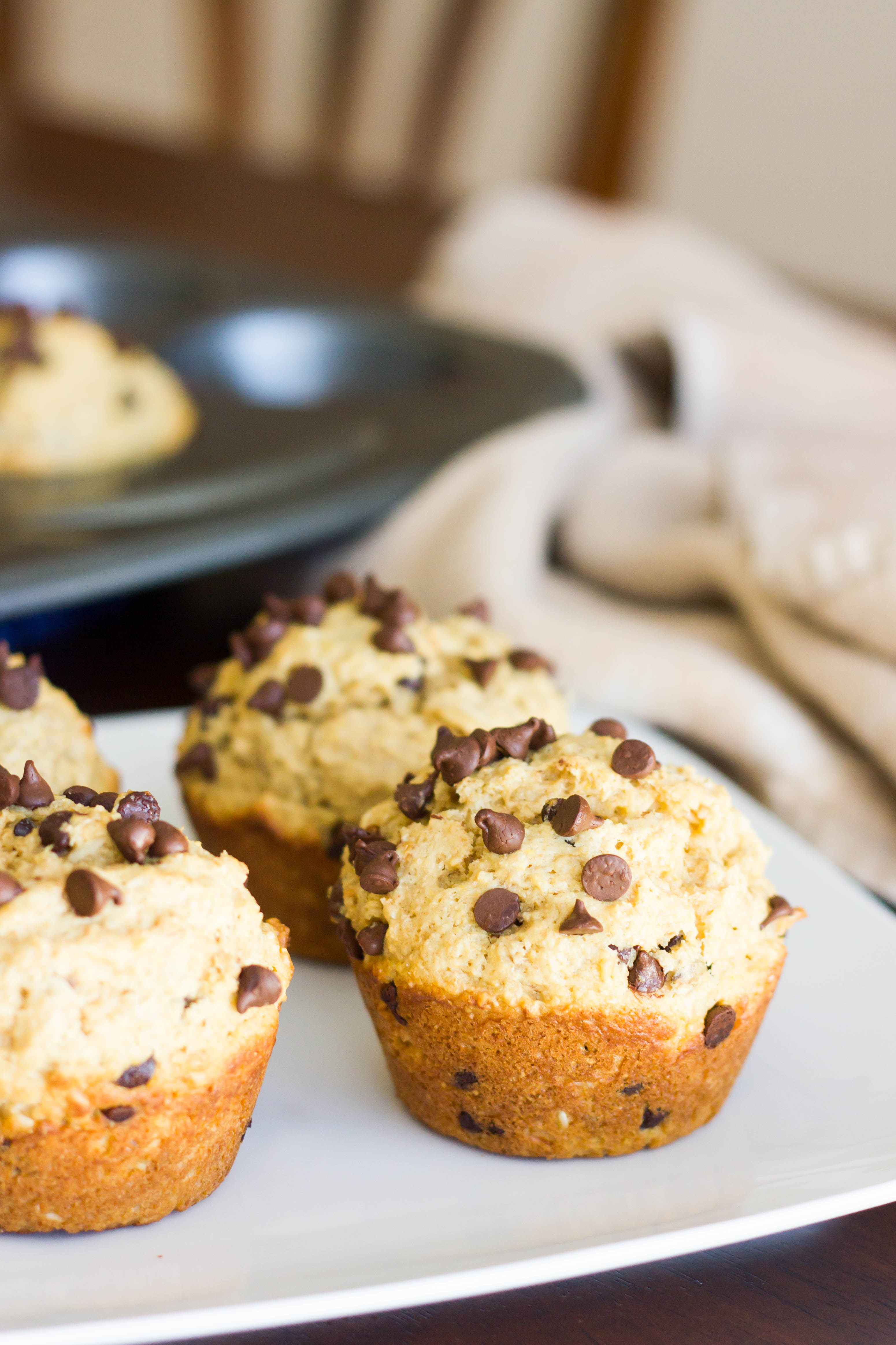 bakery style oatmeal chocolate chip muffins kendra 39 s treats. Black Bedroom Furniture Sets. Home Design Ideas